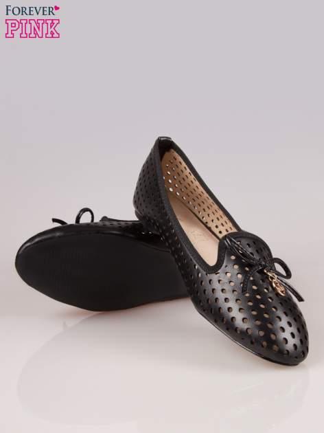 Czarne ażurowe lordsy faux leather Surprise z kokardką                                  zdj.                                  4