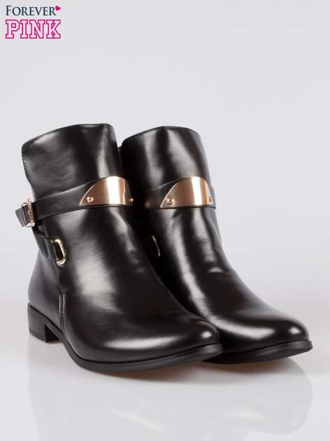 Czarne botki biker boots ze złotą blaszką                                  zdj.                                  2