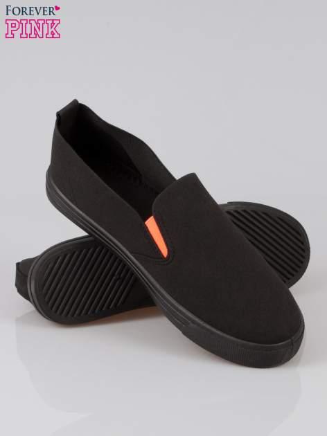 Czarne buty slip on                                  zdj.                                  4