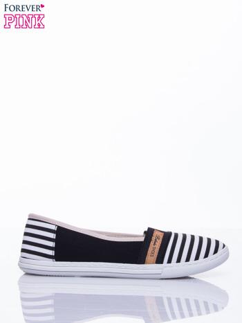 Czarne buty sliponki w paski                                  zdj.                                  2