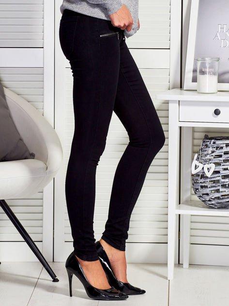 Czarne dopasowane spodnie z suwakami                                  zdj.                                  3