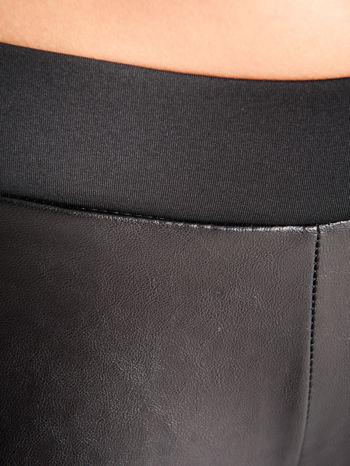 Czarne dwustronne legginsy skórzane                                  zdj.                                  4