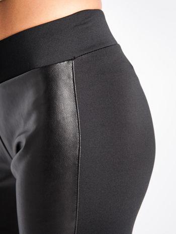 Czarne dwustronne legginsy skórzane                                  zdj.                                  2