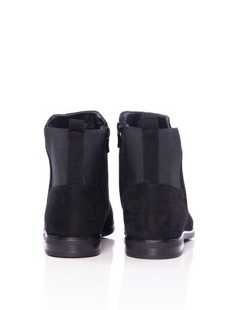 Czarne gładkie botki na płaskim obcasie z gumkowaną wstawką na tyle cholewki                                  zdj.                                  3