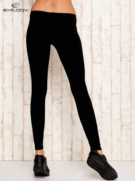 Czarne legginsy sportowe ze szwem                                  zdj.                                  3