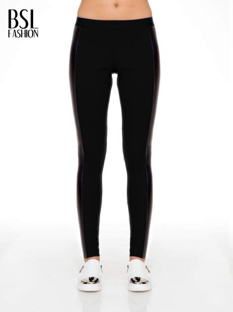 Czarne legginsy z lampasami ze skóry ekologicznej                                  zdj.                                  1
