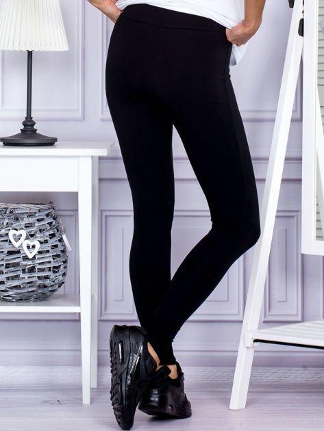 Czarne legginsy z szerokim pasem                              zdj.                              2