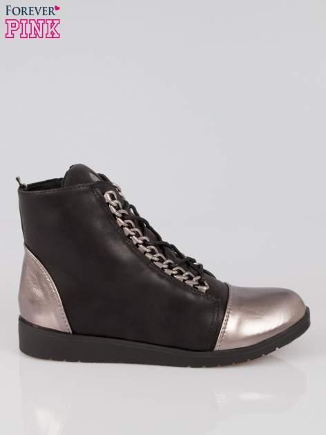 Czarne metaliczne sneakersy z łańcuchami Nyla                                  zdj.                                  1