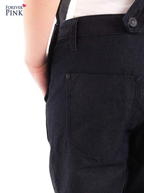 Czarne ogrodniczki jeansowe z kieszeniami                                  zdj.                                  12