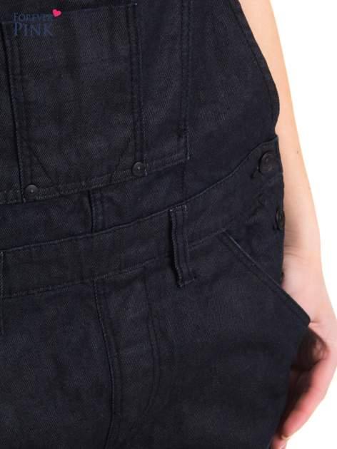 Czarne ogrodniczki jeansowe z kieszeniami                                  zdj.                                  9