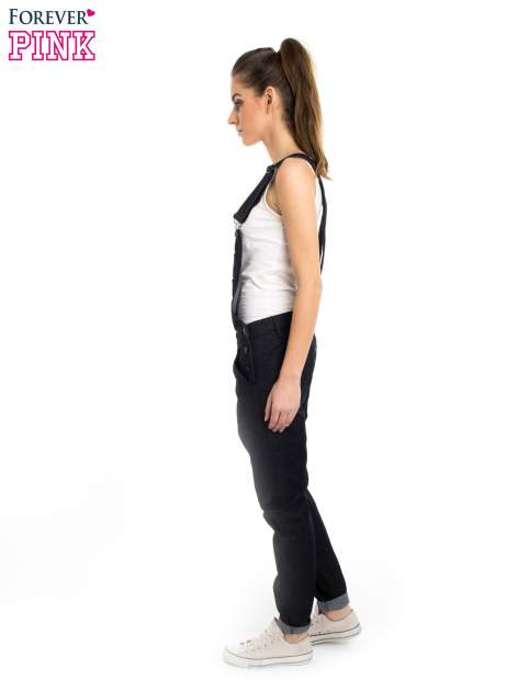 Czarne ogrodniczki jeansowe z kieszeniami                                  zdj.                                  4