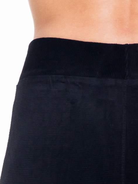 Czarne prążkowane legginsy damskie                                  zdj.                                  6