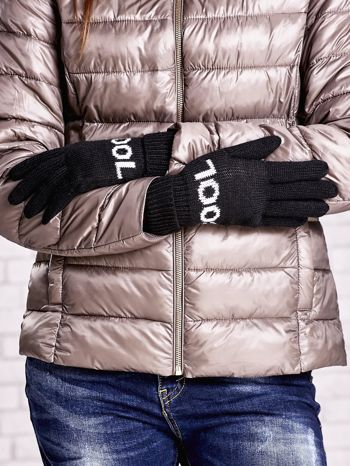 Czarne rękawiczki z napisem COOL i z wywijanym ściągaczem                                  zdj.                                  2