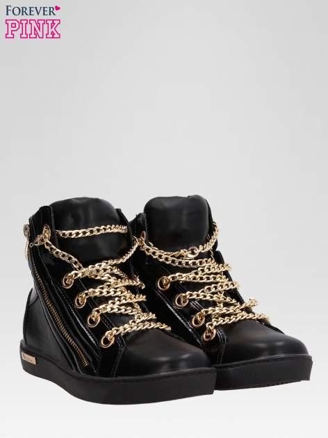Czarne sneakersy damskie ze złotym łańcuszkiem                                  zdj.                                  2