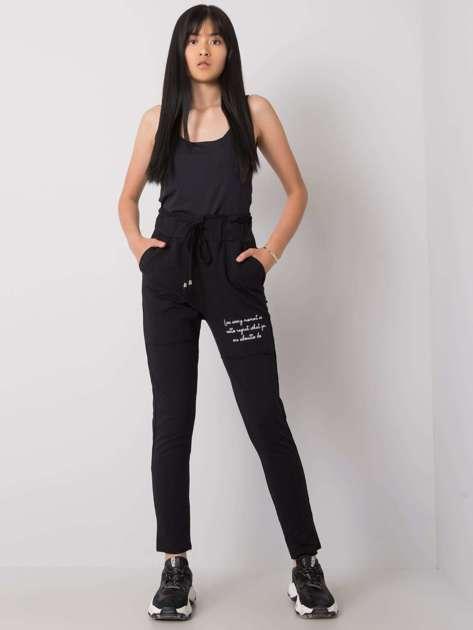 Czarne spodnie dresowe Jennifer