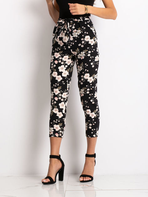 Czarne spodnie materiałowe w kwiaty                                  zdj.                                  5