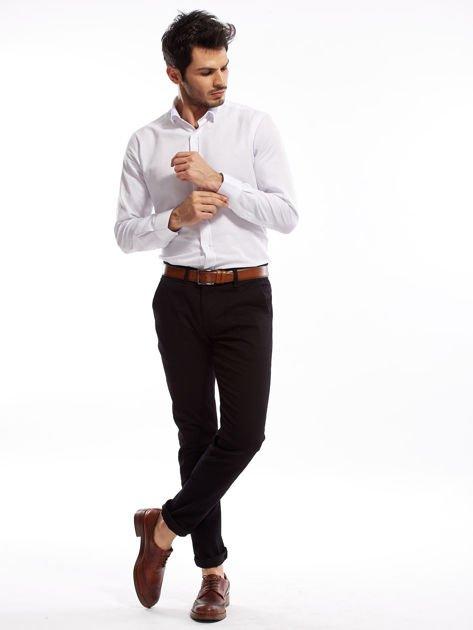 Czarne spodnie męskie chinosy o prostym kroju                              zdj.                              4