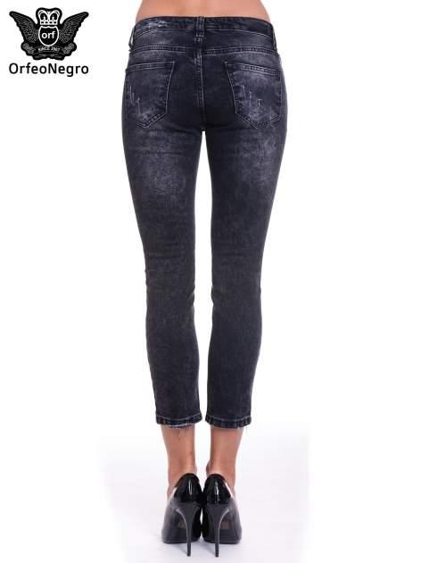 Czarne spodnie skinny jeans z dziurami                                  zdj.                                  4