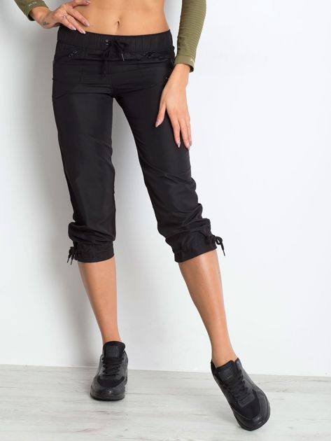 Czarne spodnie sportowe capri z wiązaniem                                  zdj.                                  1