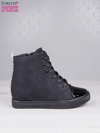 Czarne sznurowane sneakersy Polly z napisem LOVE                                  zdj.                                  2