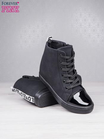Czarne sznurowane sneakersy Polly z napisem LOVE                                  zdj.                                  4