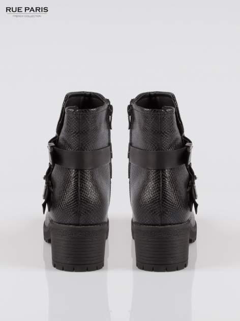 Czarne tłoczone botki biker boots z klamrami                                  zdj.                                  3