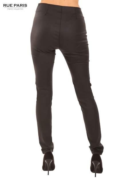 Czarne woskowane legginsy                                  zdj.                                  3