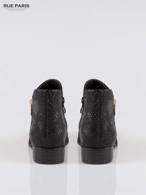 Czarne zamszowe botki snake print ze złotym suwakiem                                  zdj.                                  3