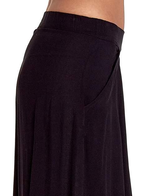 Czarne zwiewne spodnie typu culottes                                  zdj.                                  6