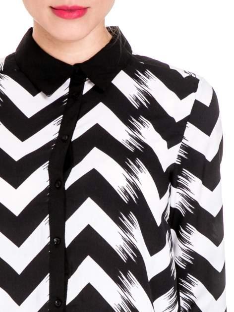 Czarno-biała koszula w geometryczny wzór                                  zdj.                                  6