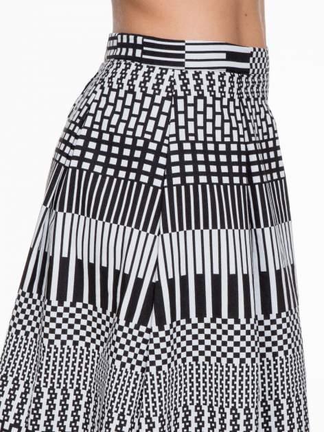 Czarno-biała spódnica midi w geometryczny wzór II                                  zdj.                                  6