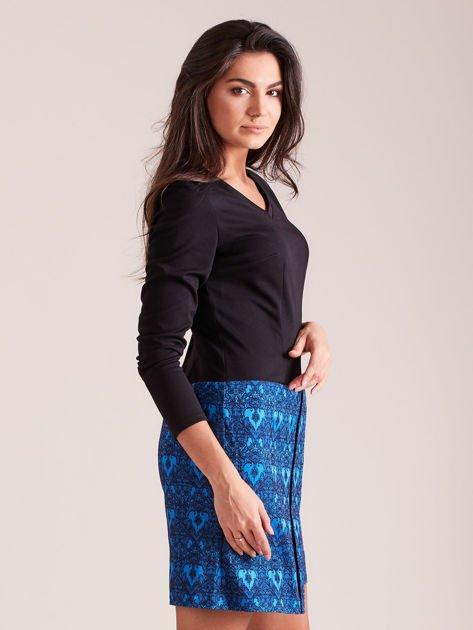 e4087e0e4f 1  Czarno-niebieska sukienka koktajlowa z ornamentową spódnicą ...