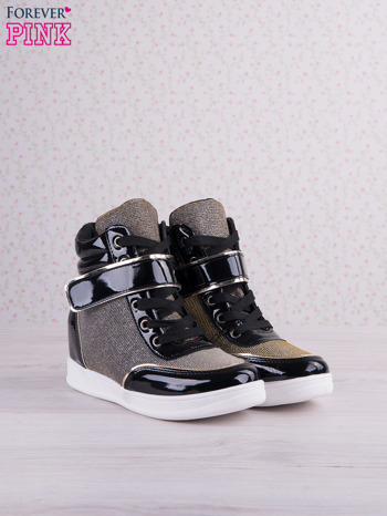 Czarnowozłote mieniące sneakersy z lakierowanymi wstawkami                                   zdj.                                  2