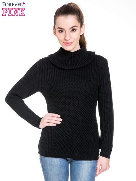 Czarny ciepły sweter z golfowym kołnierzem                                  zdj.                                  1