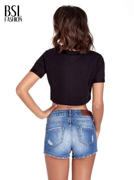 Czarny cropped t-shirt ze złotym napisem BOYS                                  zdj.                                  4