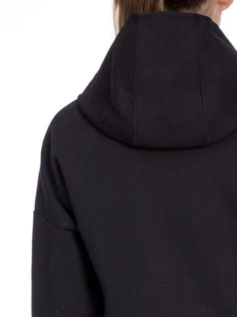 Czarny dresowy płaszcz oversize z kapturem                                  zdj.                                  7