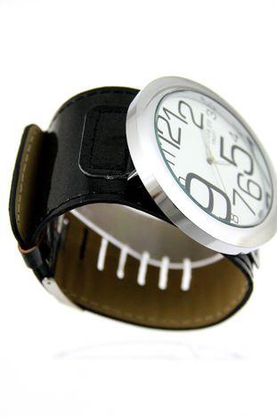 Czarny duży zegarek damski na skórzanym pasku                                  zdj.                                  3