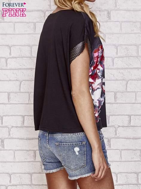 Czarny kwiatowy t-shirt ze skórzanymi rękawami                                  zdj.                                  4