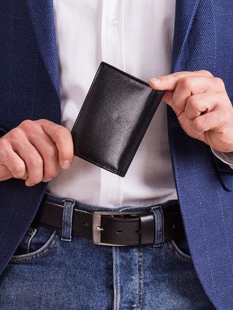 Czarny męski portfel z tłoczeniem                              zdj.                              2