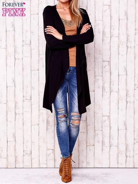 Czarny otwarty sweter w drobne prążki                                  zdj.                                  2