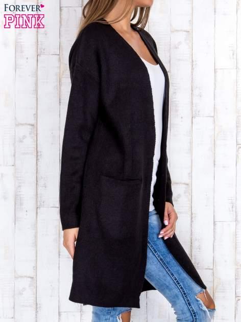 Czarny otwarty sweter z kieszeniami z przodu                                  zdj.                                  3