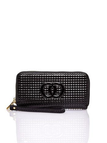 Czarny pikowany portfel z uchwytem na rękę