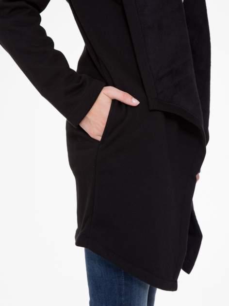 Czarny płaszcz dresowy z asymetrycznymi bokami                                  zdj.                                  8