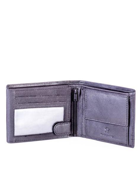 Czarny portfel skórzany z czerwonymi wstawkami                              zdj.                              4
