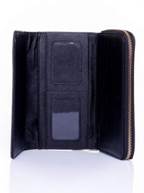 Czarny portfel z dżetami i ozdobnym zapięciem                                  zdj.                                  4