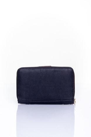 Czarny portfel z ozdobną złotą klamrą                                  zdj.                                  2