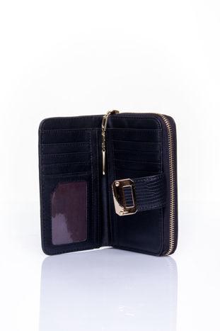 Czarny portfel z ozdobną złotą klamrą                                  zdj.                                  4