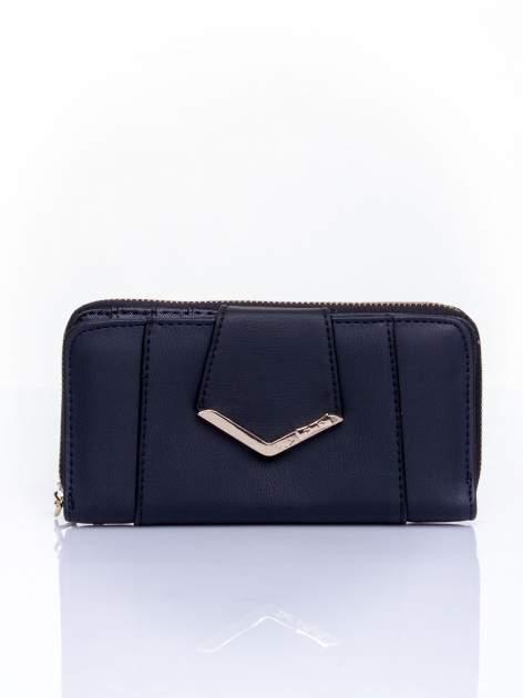 Czarny portfel ze złoconą klamrą                                  zdj.                                  1