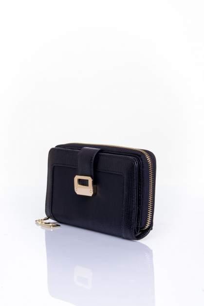 Czarny portfel ze złotą klamerką                                  zdj.                                  3