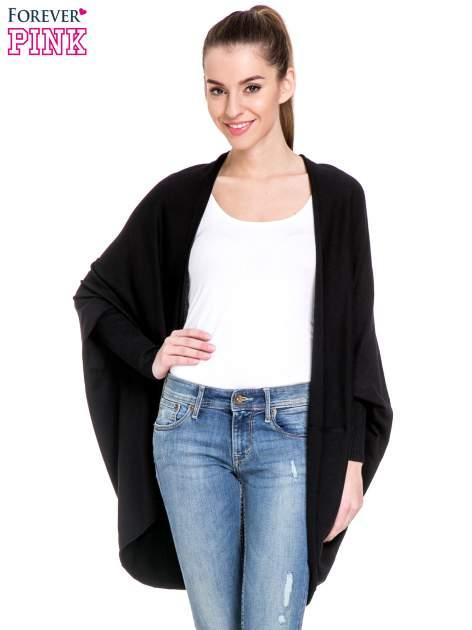 Czarny sweter narzutka z nietoperzowymi rękawami                                  zdj.                                  1